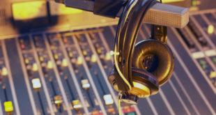 Δημοτικό Συμβούλιο Αθήνας : Να εξαιρεθούν οι δημοτικοί ραδιοφωνικοί σταθμοί από κάθε διαδικασία δημοπράτησης ή εξαγοράς των αδειών