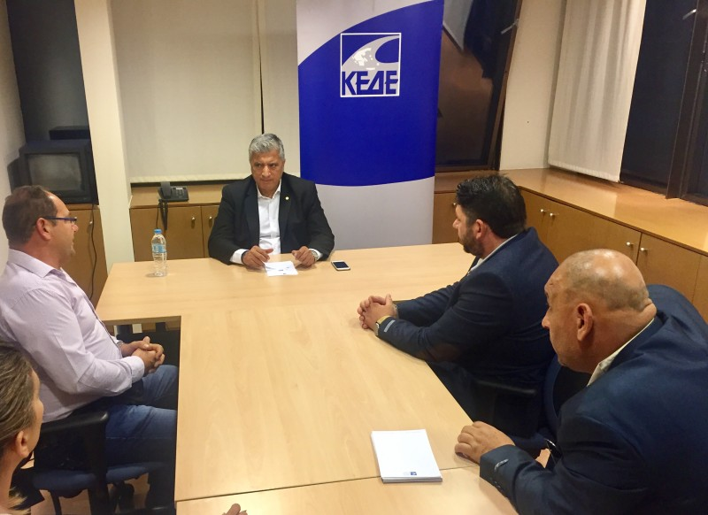 Οι μικροπωλητές συναντήθηκαν με τον Πρόεδρο της ΚΕΔΕ