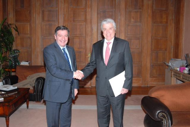 Μνημόνιο συνεργασίας υπέγραψε ο δήμαρχος Αθηναίων ΔΕΗ